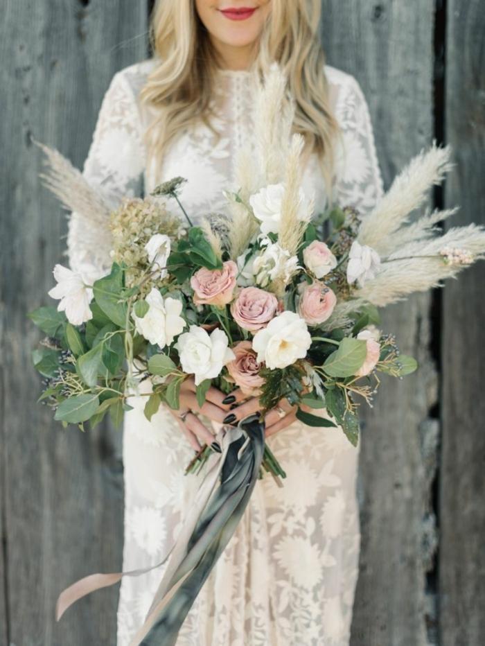 bouquet de mariée magnifique avec herbe de la pampa