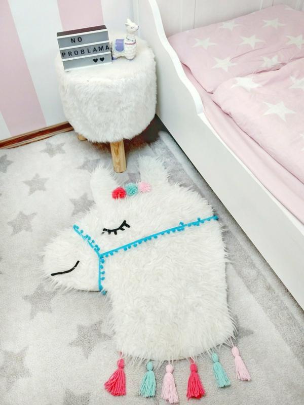 chambre d'enfant tapis moelleux déco lama
