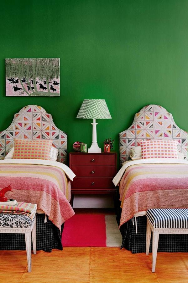 chambre d'enfants peinture vert émeraude accents rose