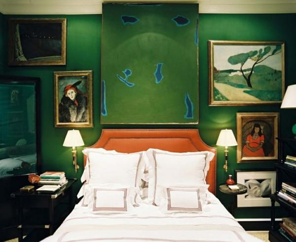 chambre peinture vert émeraude tête de lit rembourrée orange
