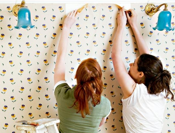 changement revêtement mural décoller du papier peint