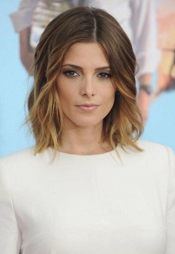 coiffure femme moderne carré wavy avec raie