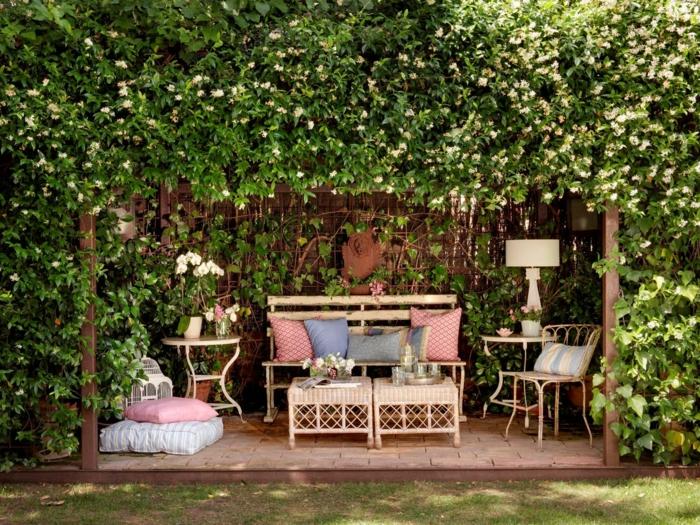 coin détente jardin idée coussins de sol