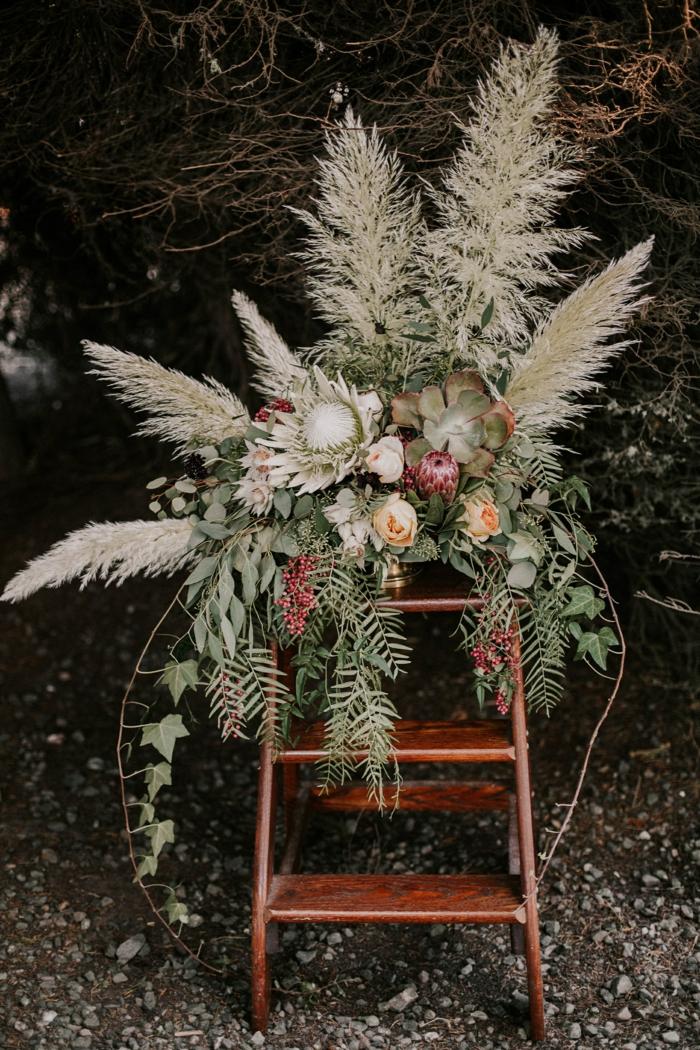 composition florale pour mariage idée herbe de la pampa