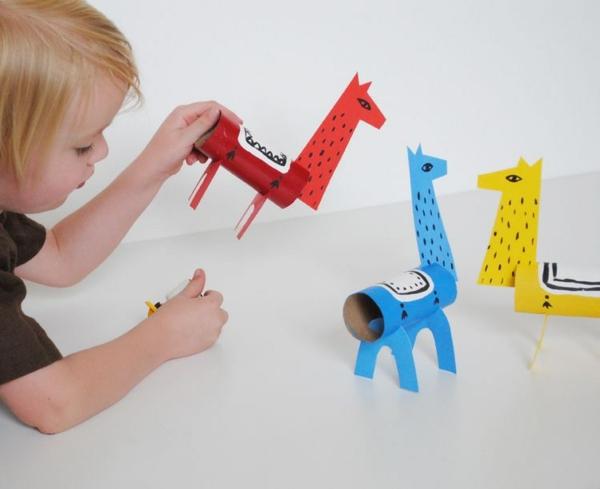 déco lama jouet en carton rouleau de papier toilette