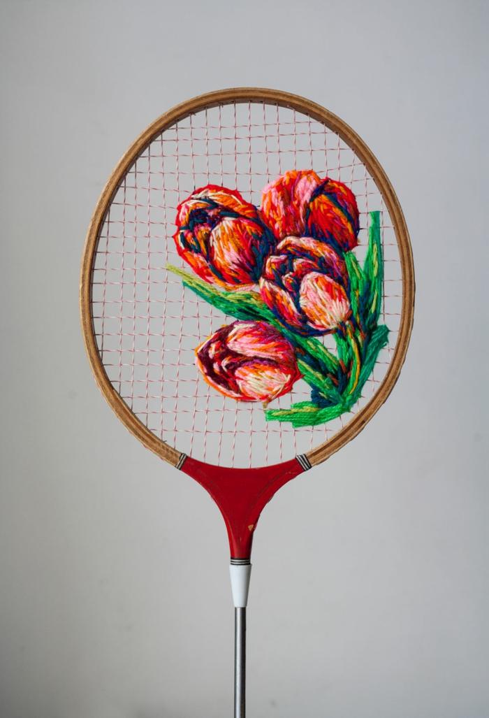 déco raquette de tennis avec de laine