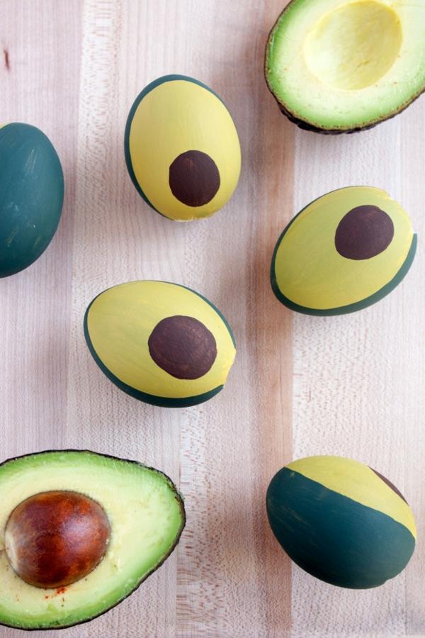 façons créatives de décorer un œuf de Pâques avocats