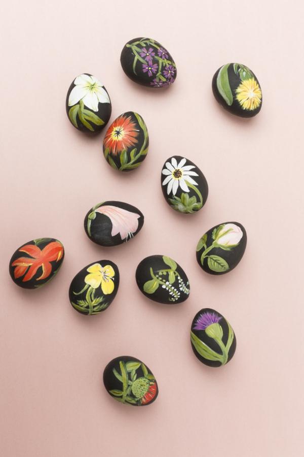 façons créatives de décorer un œuf de Pâques déco florale