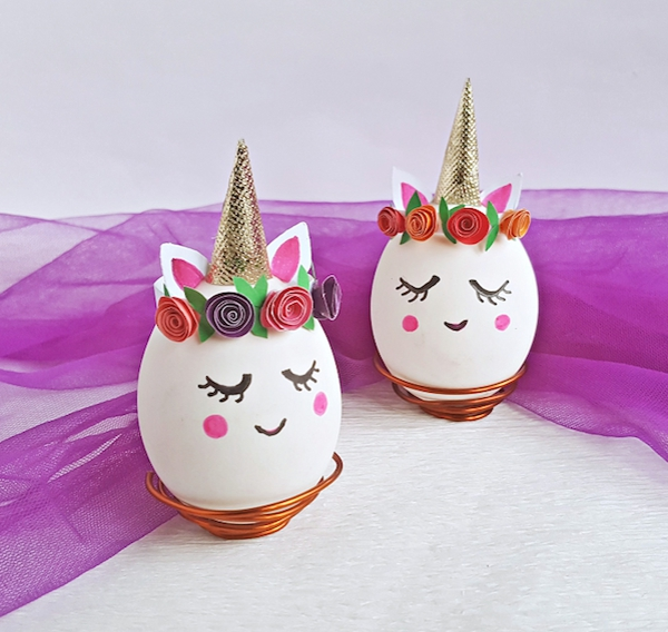 façons créatives de décorer un œuf de Pâques licornes