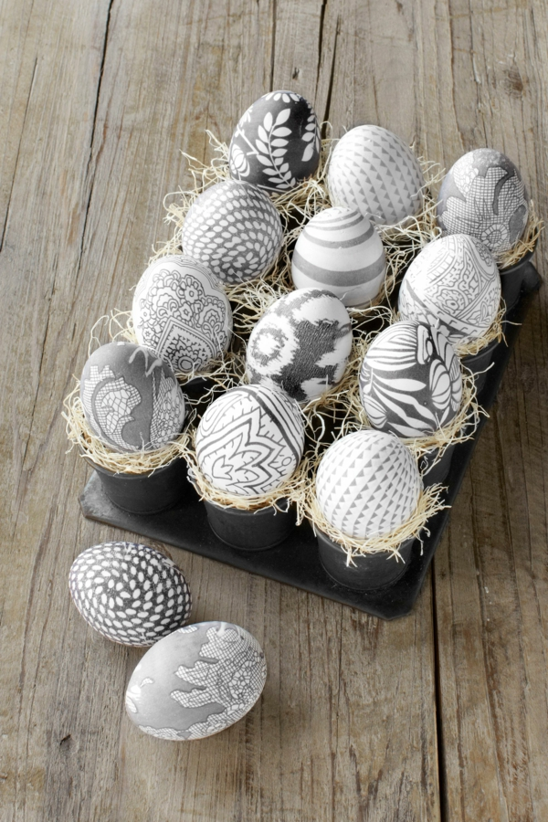 façons créatives de décorer un œuf de Pâques textile soie