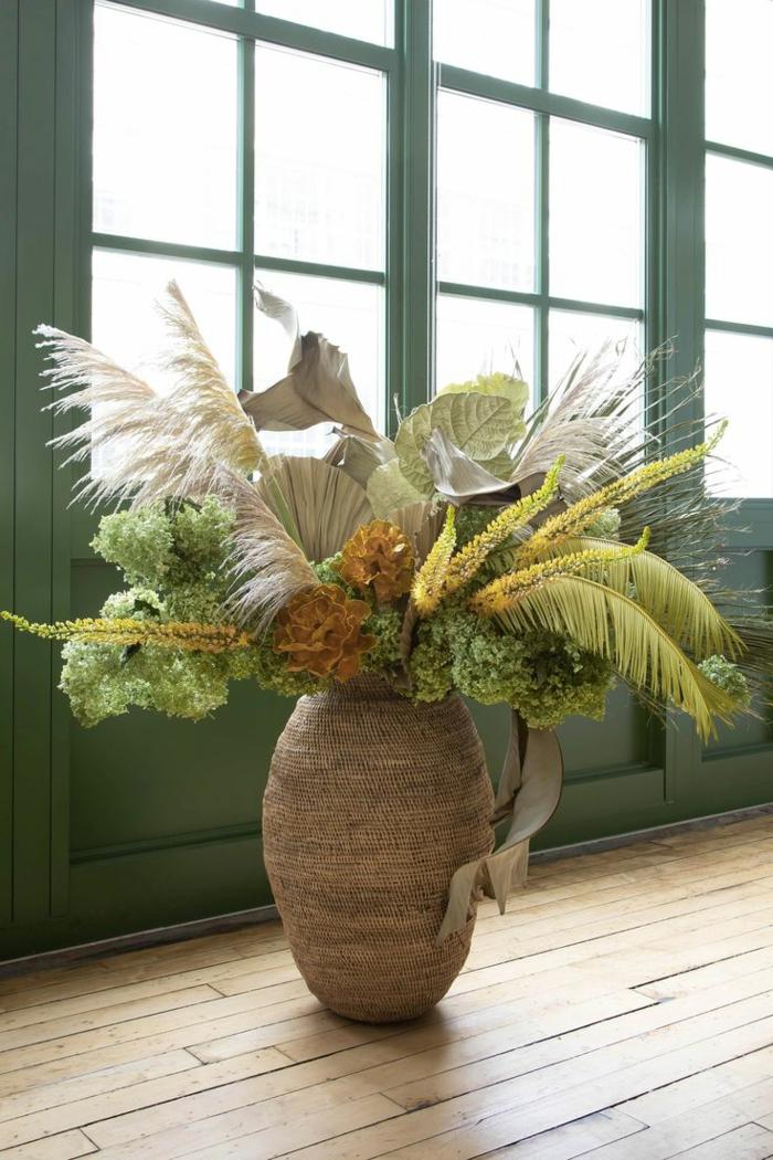 grand vase avec herbe de la pampa idée déco maison