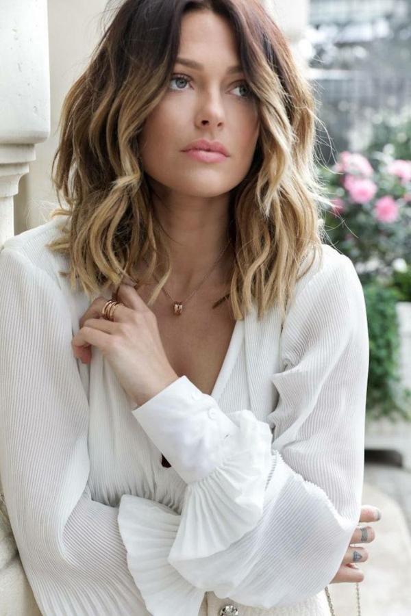 idée coiffure carré wavy cheveux mi-longs balayage carré ondulé