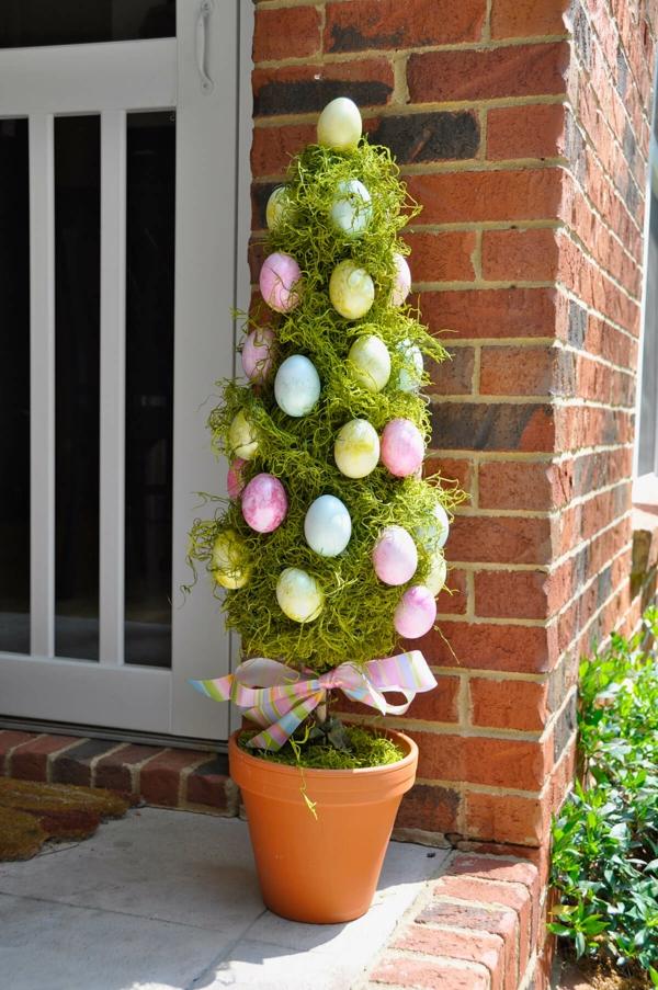 idée décoration de pâques à faire soi-même arbre de pâques cône en styromousse