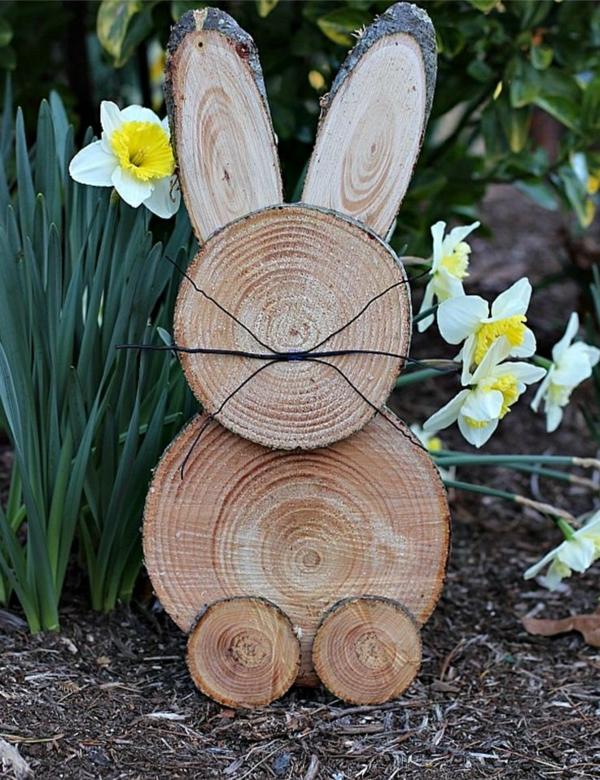 idée décoration de pâques à faire soi-même lapin de pâques en bois