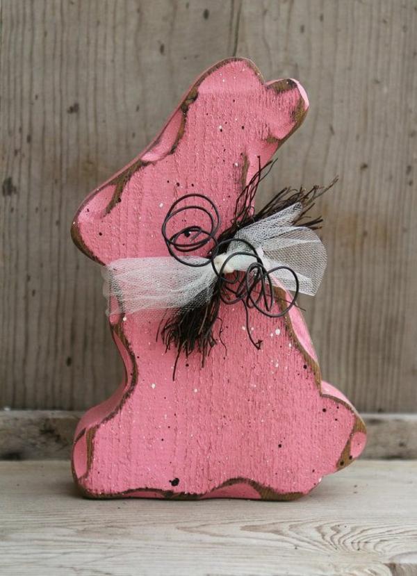 idée décoration de pâques à faire soi-même lapin rose en bois