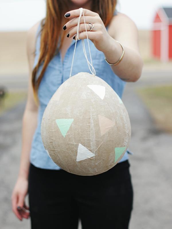 idée décoration de pâques à faire soi-même oeuf en papier et ballon