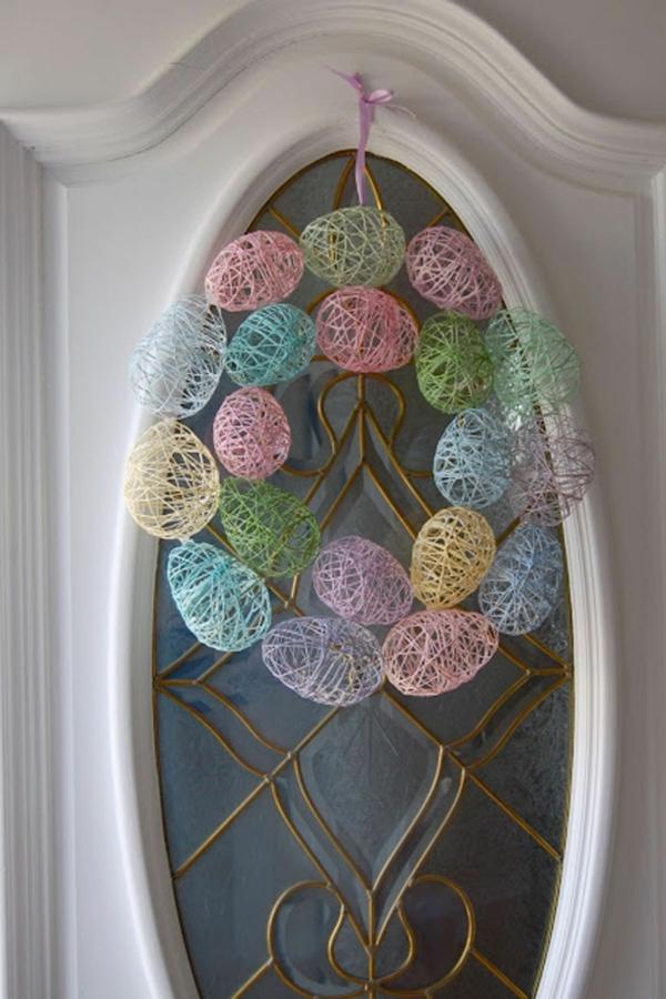 idée décoration de pâques à faire soi-même oeufs en fils colorés