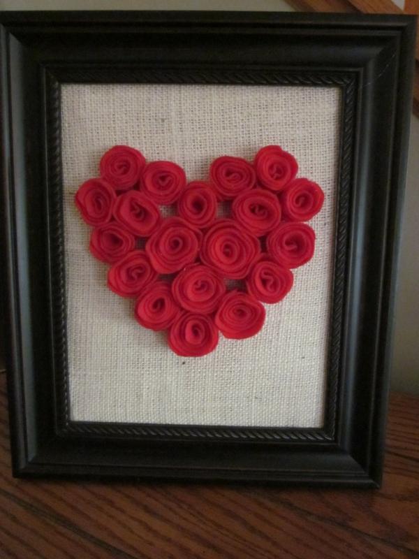 idée de déco saint-valentin à faire soi-même cadre de photo fleurs en feutrine