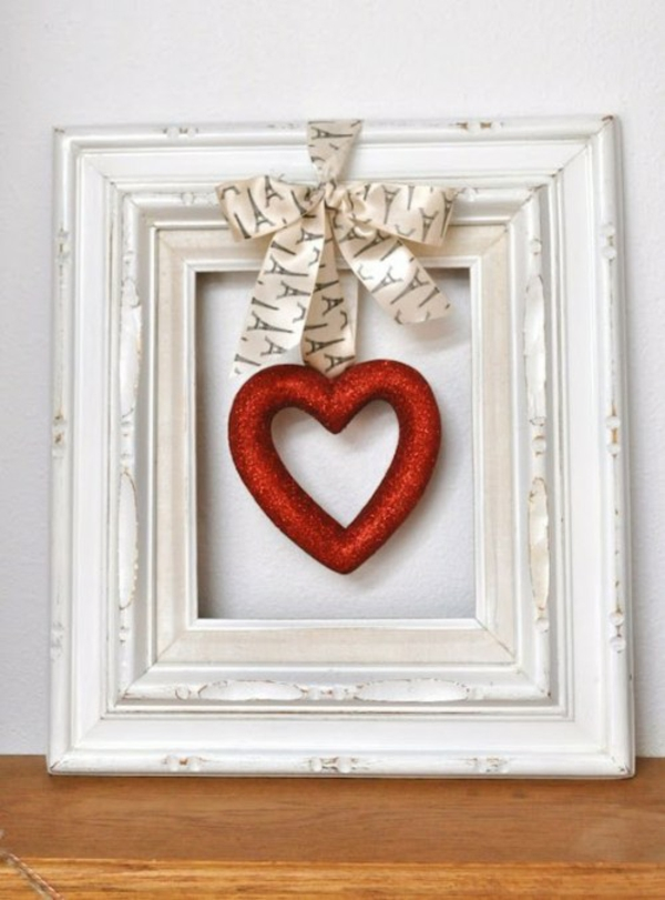 idée de déco saint-valentin à faire soi-même cadre de photo patiné et décoré