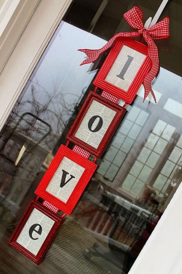 idée de déco saint-valentin à faire soi-même cadres de photos porte