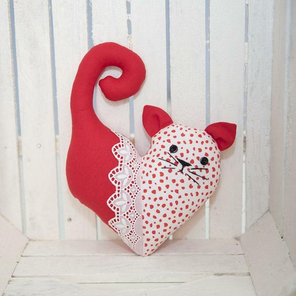 idée de déco saint-valentin à faire soi-même chatton en textile