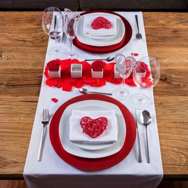 idée de déco saint-valentin à faire soi-même déco de table rouge et blanc