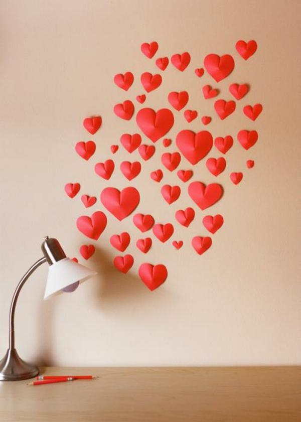 idée de déco saint-valentin à faire soi-même déco murale en papier rouge