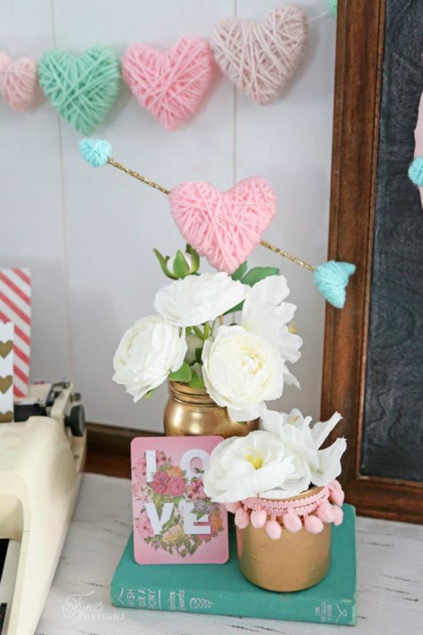 idée de déco saint-valentin à faire soi-même fleurs et fil coloré