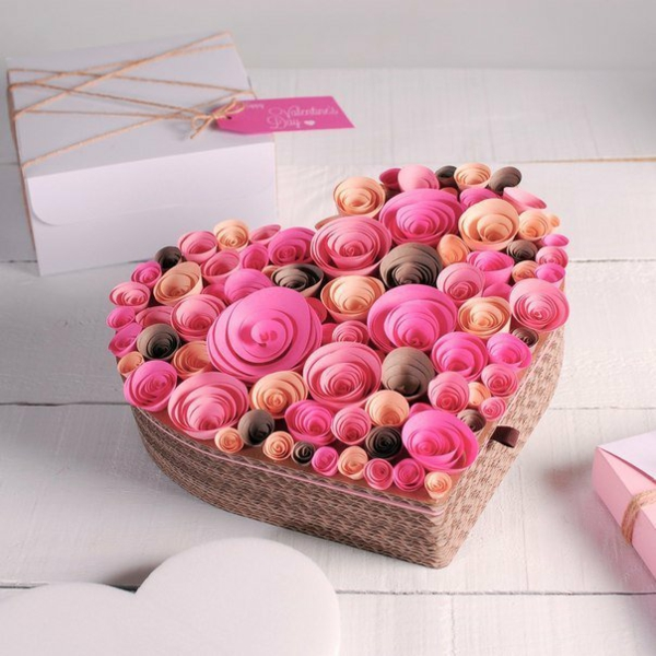idée de déco saint-valentin à faire soi-même fleurs quilling