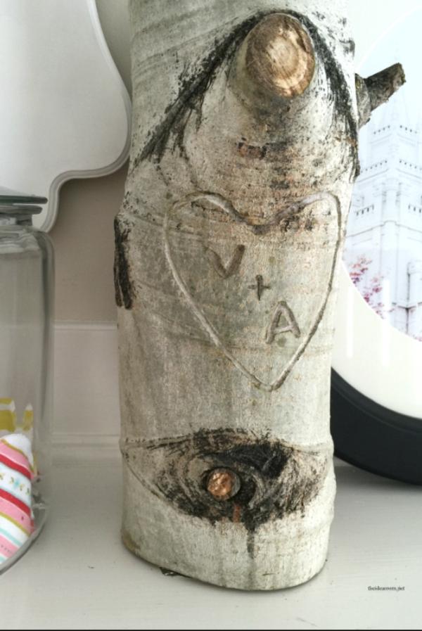 idée de déco saint-valentin à faire soi-même lettres creusées écorce d'arbre