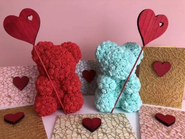 idée de déco saint-valentin à faire soi-même ours fleurs en tissu