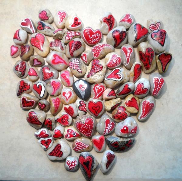 idée de déco saint-valentin à faire soi-même peinture galets