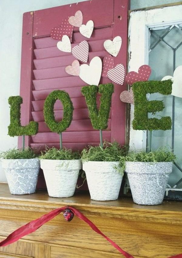 idée de déco saint-valentin à faire soi-même pots de fleurs mousse végétale