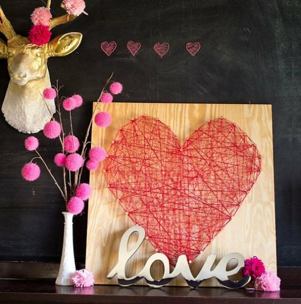 idée de déco saint-valentin à faire soi-même tableau fil tendu et clous