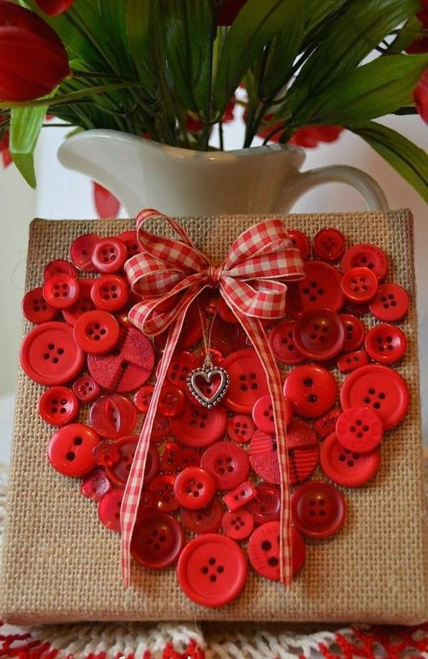 idée de déco saint-valentin à faire soi-même toile de jute boutons rouges
