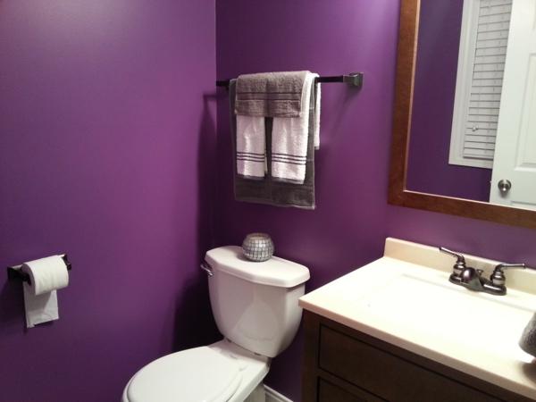 idée de peinture toilettes tendance violet
