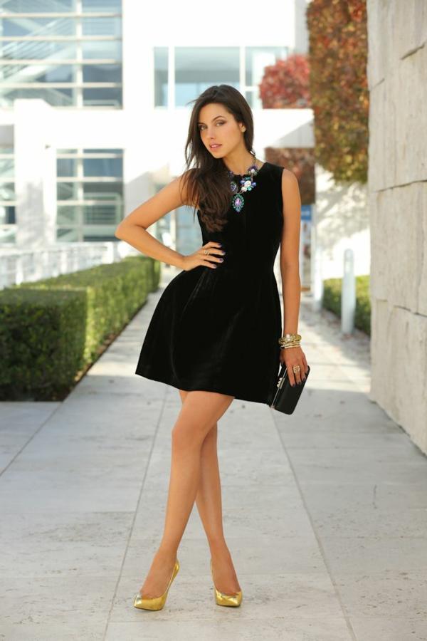 mode femme robe noire velours côtelé