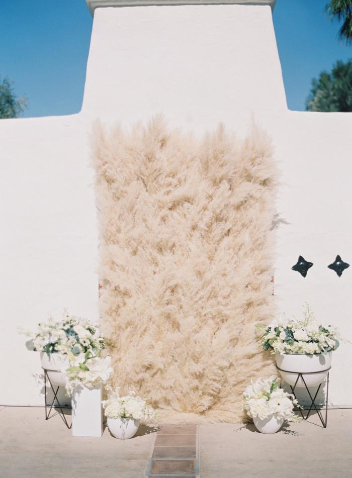 mur-végétal-déco-mariage-avec-herbe-de-la-pampa