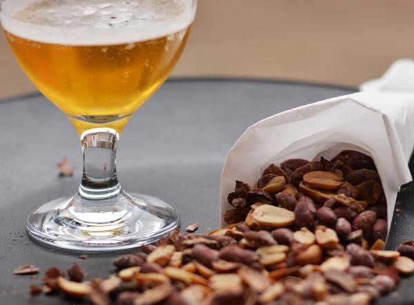 plante cacahuète de la bière fraîche
