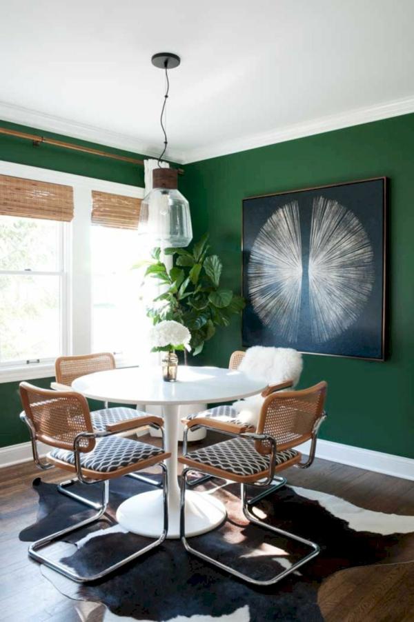 salle à manger peinture vert émeraude chaises industrielles