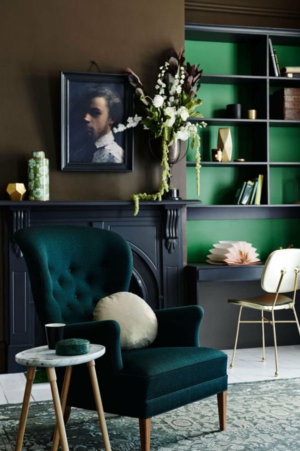 salon classique peinture vert émeraude bibliothèque