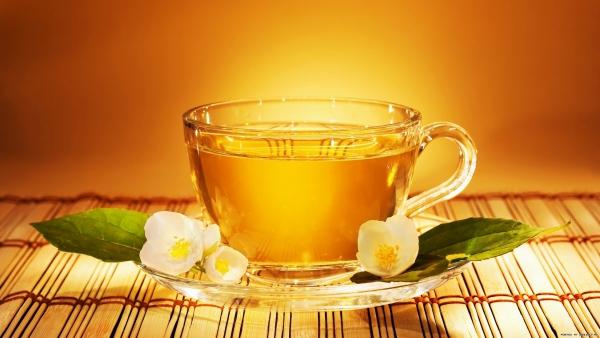 thé à éviter de boire du miel dans le thé