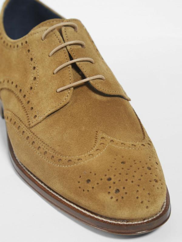 utilisation crème à raser nettoyer chaussures en daim