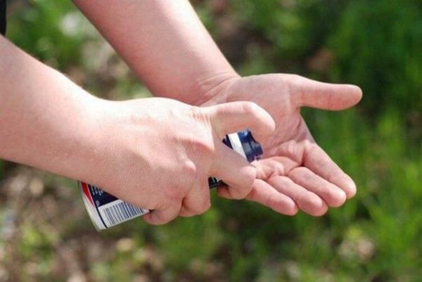 utilisation crème à raser nettoyer ses mains graisse