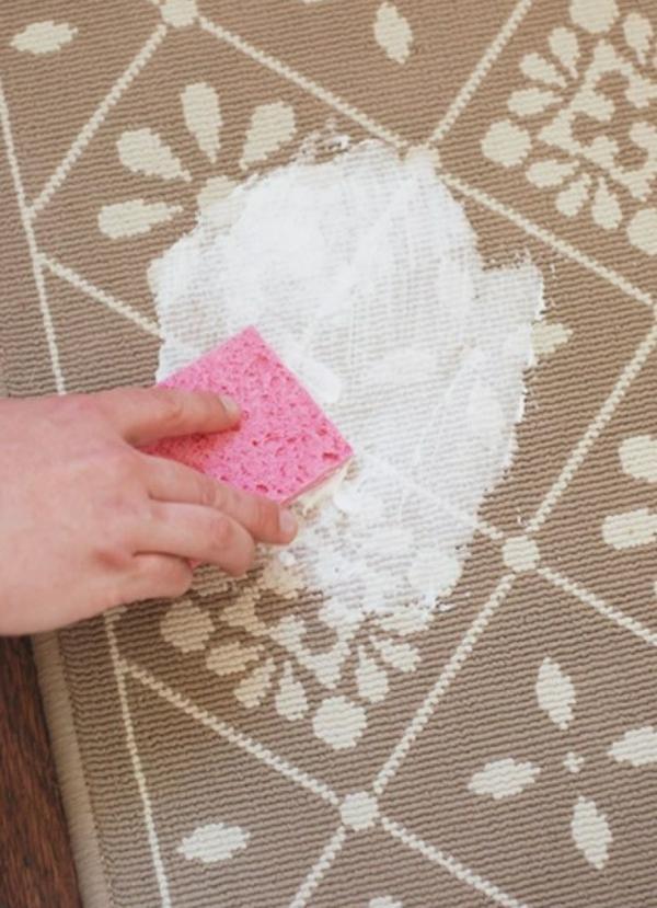 utilisation crème à raser nettoyer tapis