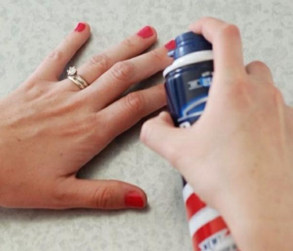 utilisation crème à raser supprimer erreurs vernis à ongles