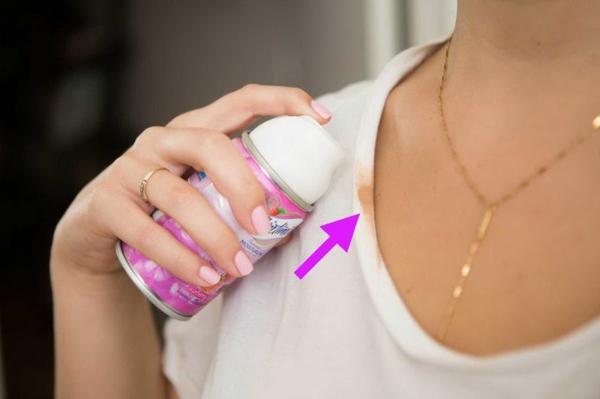 utilisation crème à raser supprimer tâches de maquillage vêtements