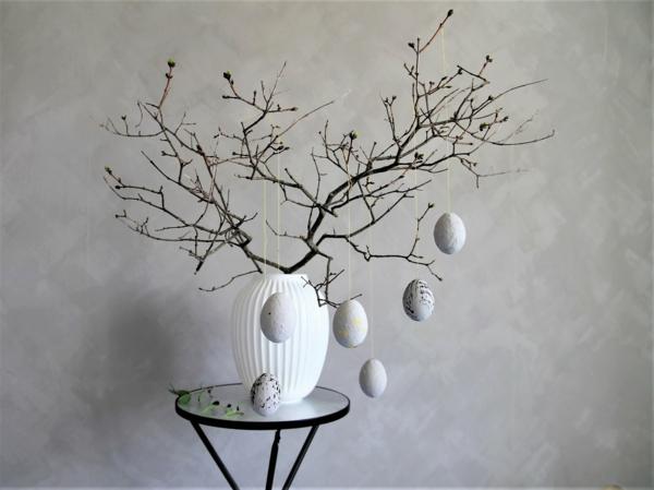 Comment faire des œufs de Pâques décoratifs en béton arbre de pâques