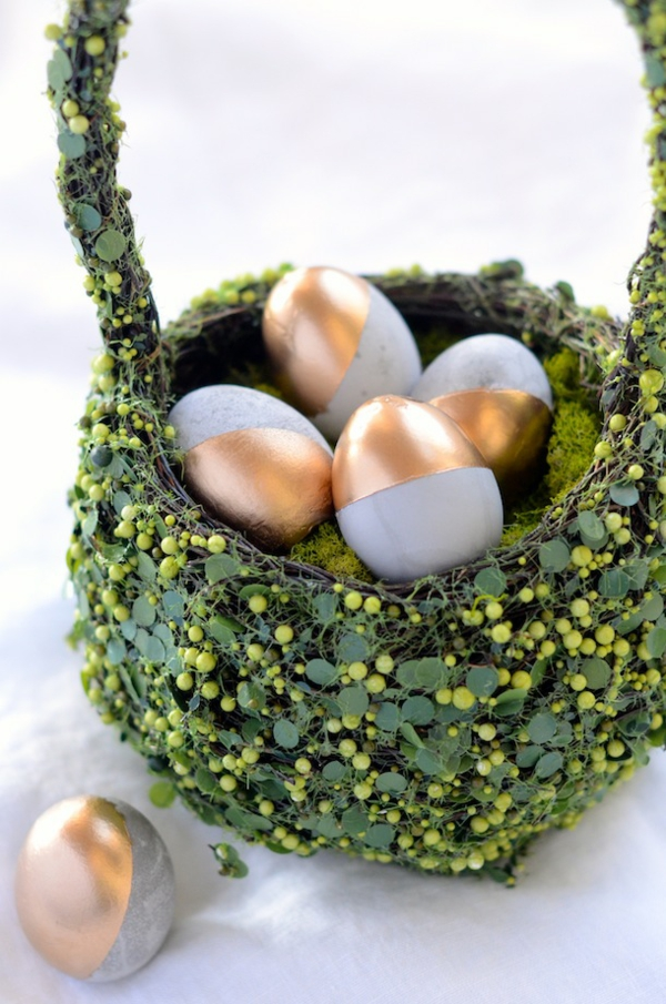 Comment faire des œufs de Pâques décoratifs en béton déco peinture dorée