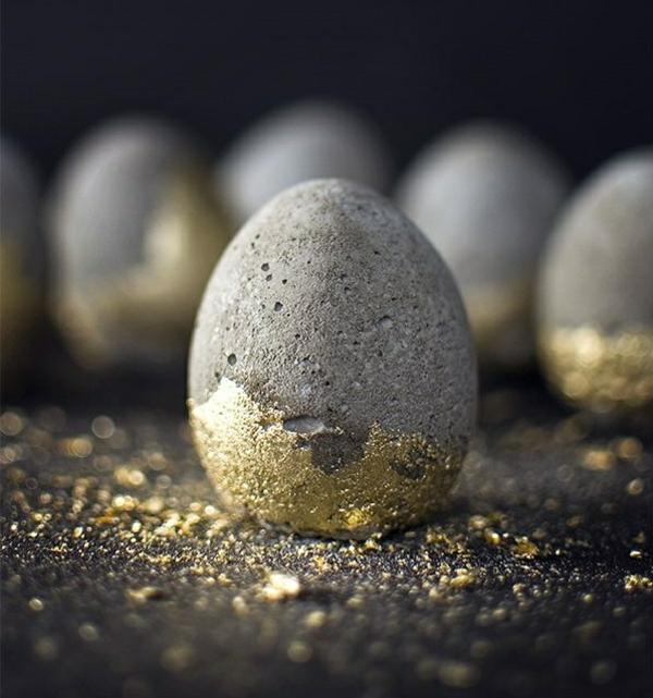 Comment faire des œufs de Pâques décoratifs en béton déco peinture pailletée